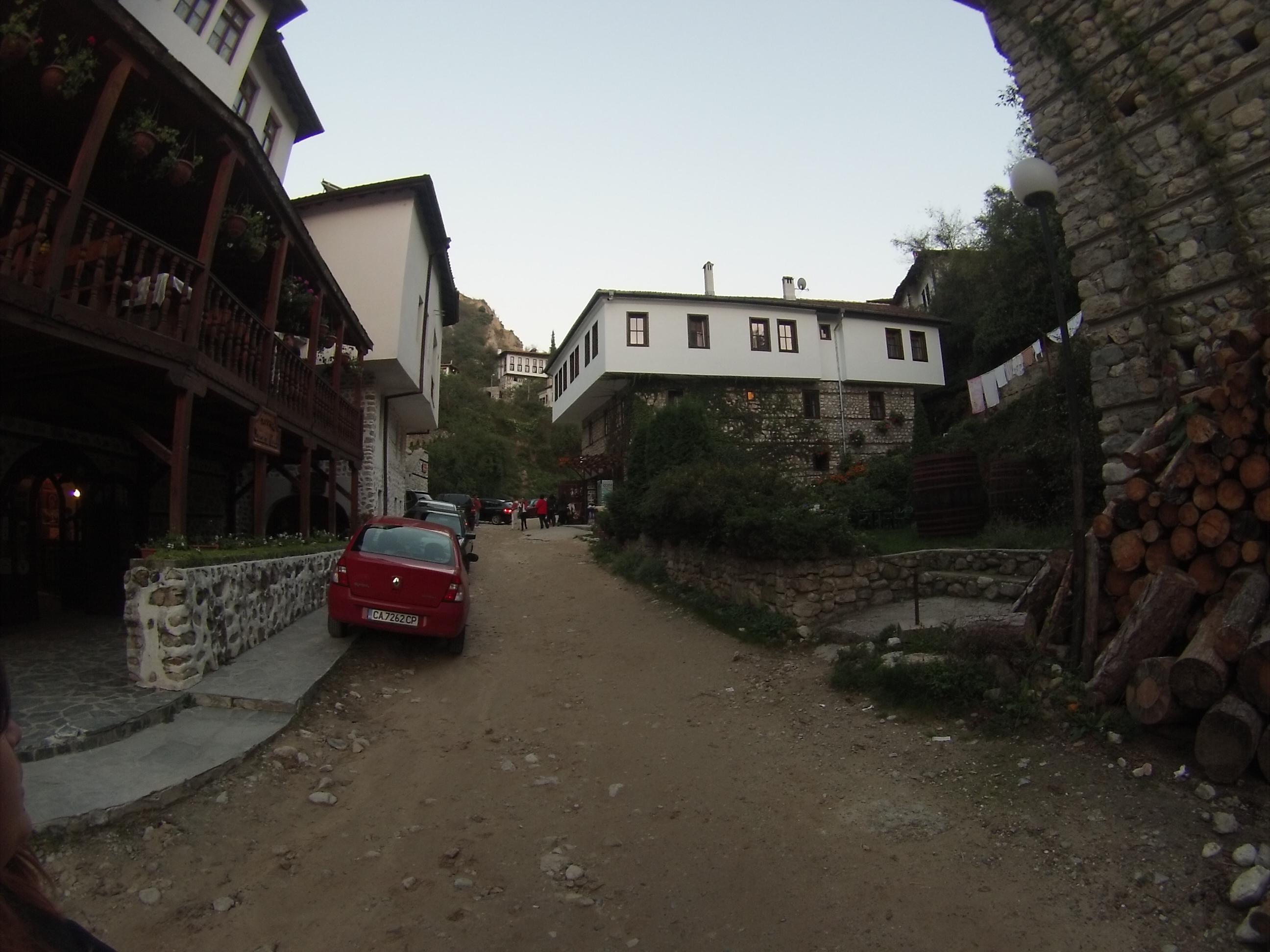 Път в Мелник