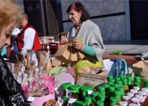 Пазар за българско киви, истинско сирене и мед