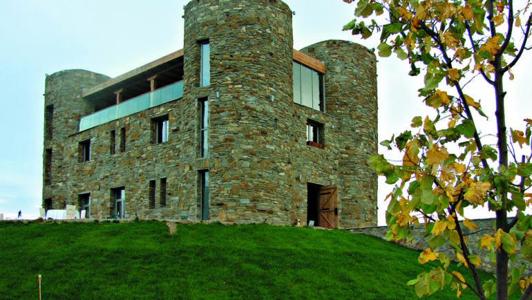 Крепостта на омайното вино