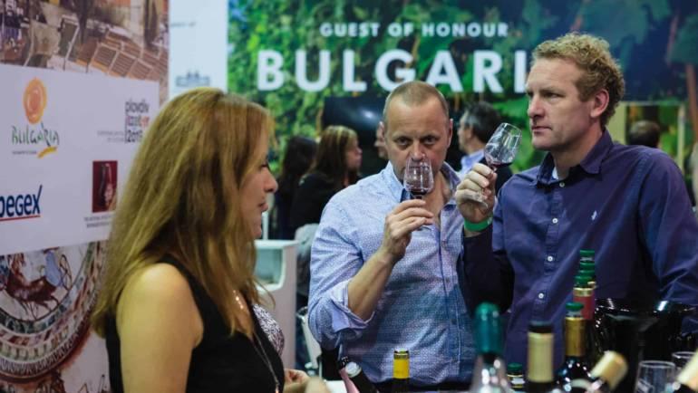 "Българското вино очарова посетителите на ""Мегавино"""